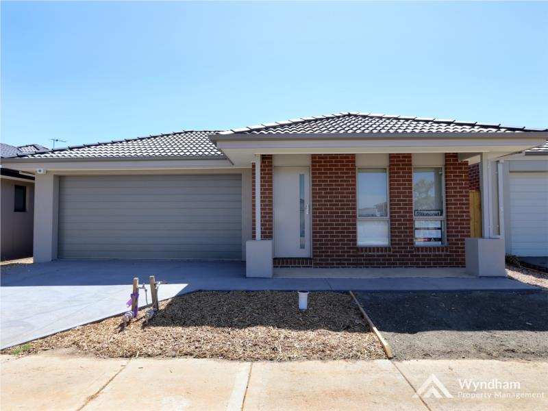 Brand New Home in Upper Point Cook