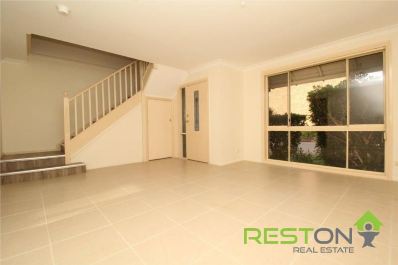 QUAKERS HILL - POWERFUL DUCTED AIR CONDITIONING THROUGHOUT