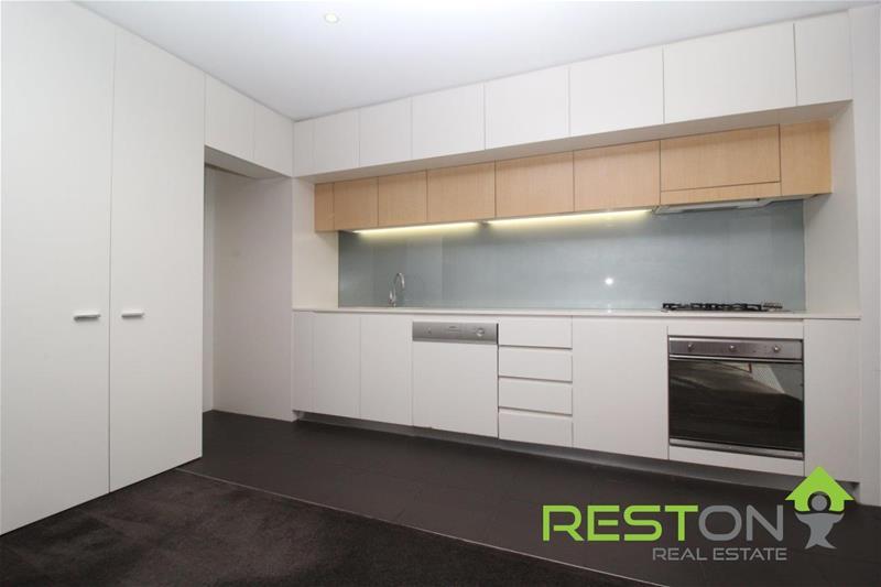 KENSINGTON - Stylish Double Storey Apartment