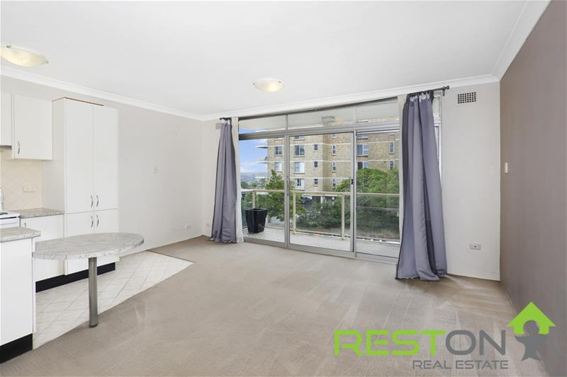 MOSMAN - One Bedroom Apartment in a central location
