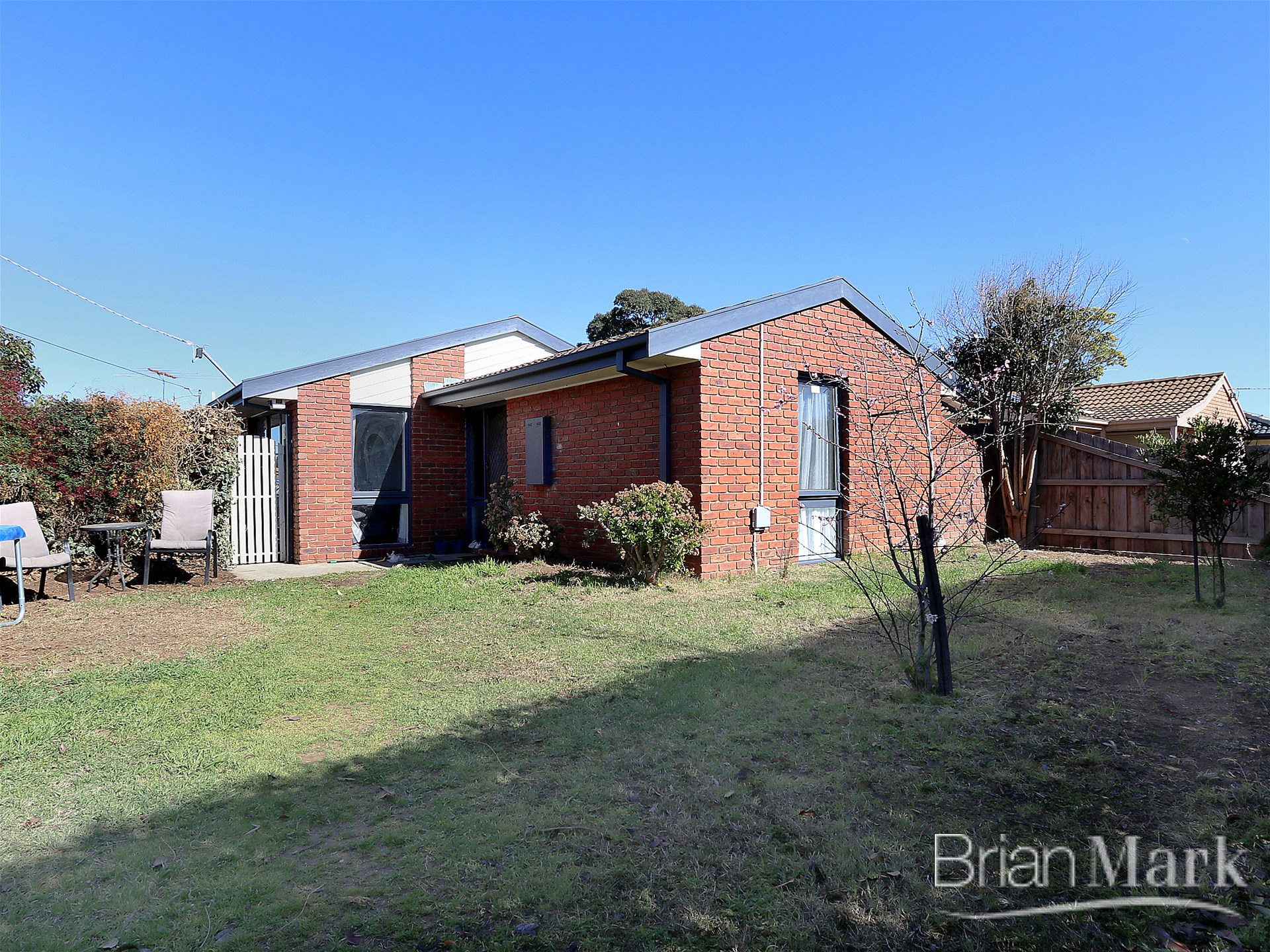 Comfortable Family Home Close To School