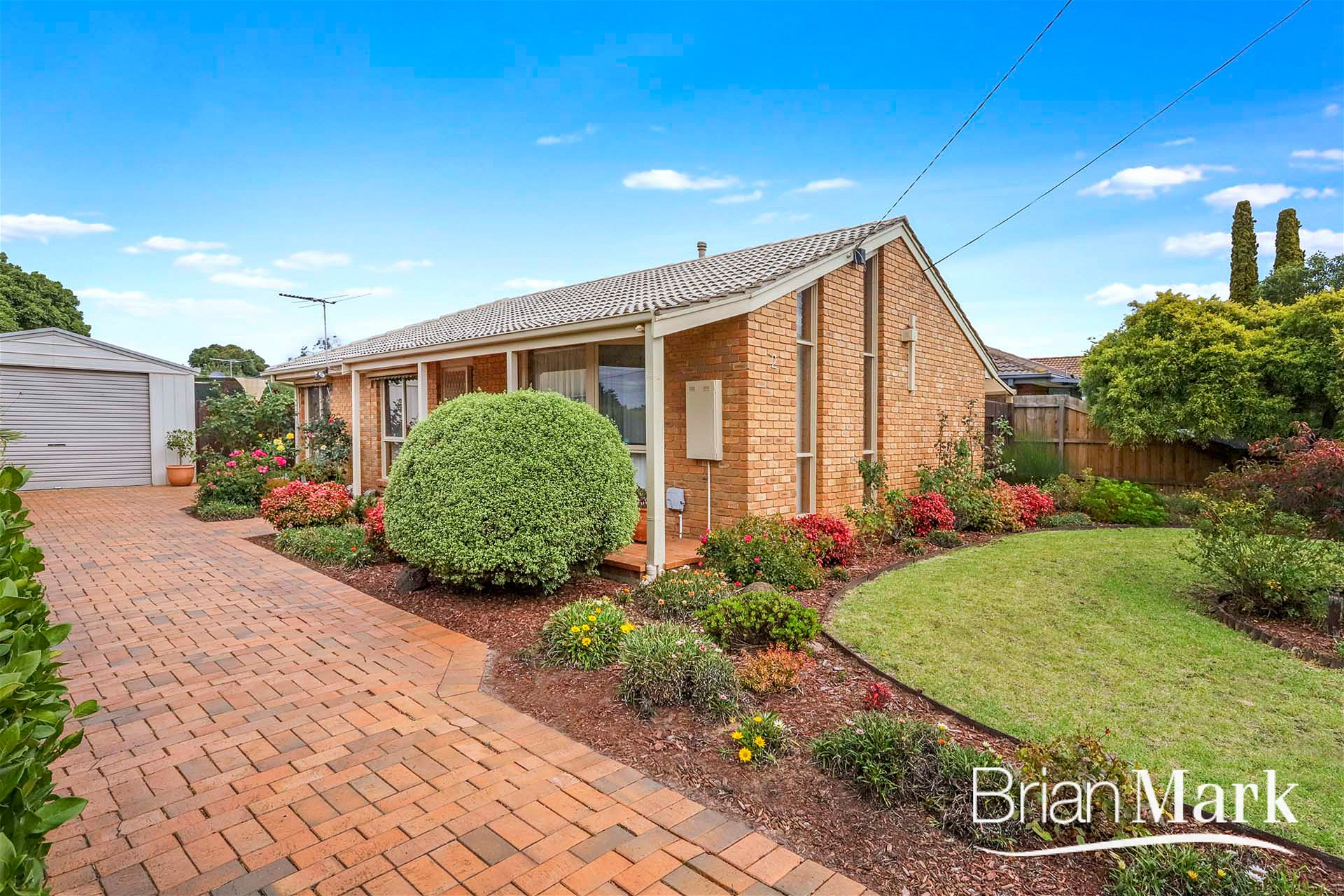 Inviting Home In Bellbridge Court Position